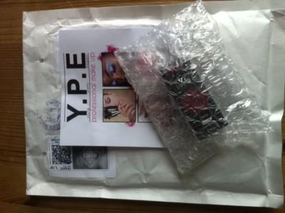 Rouge à lèvre Sleek de chez YPE via TheBeautyst